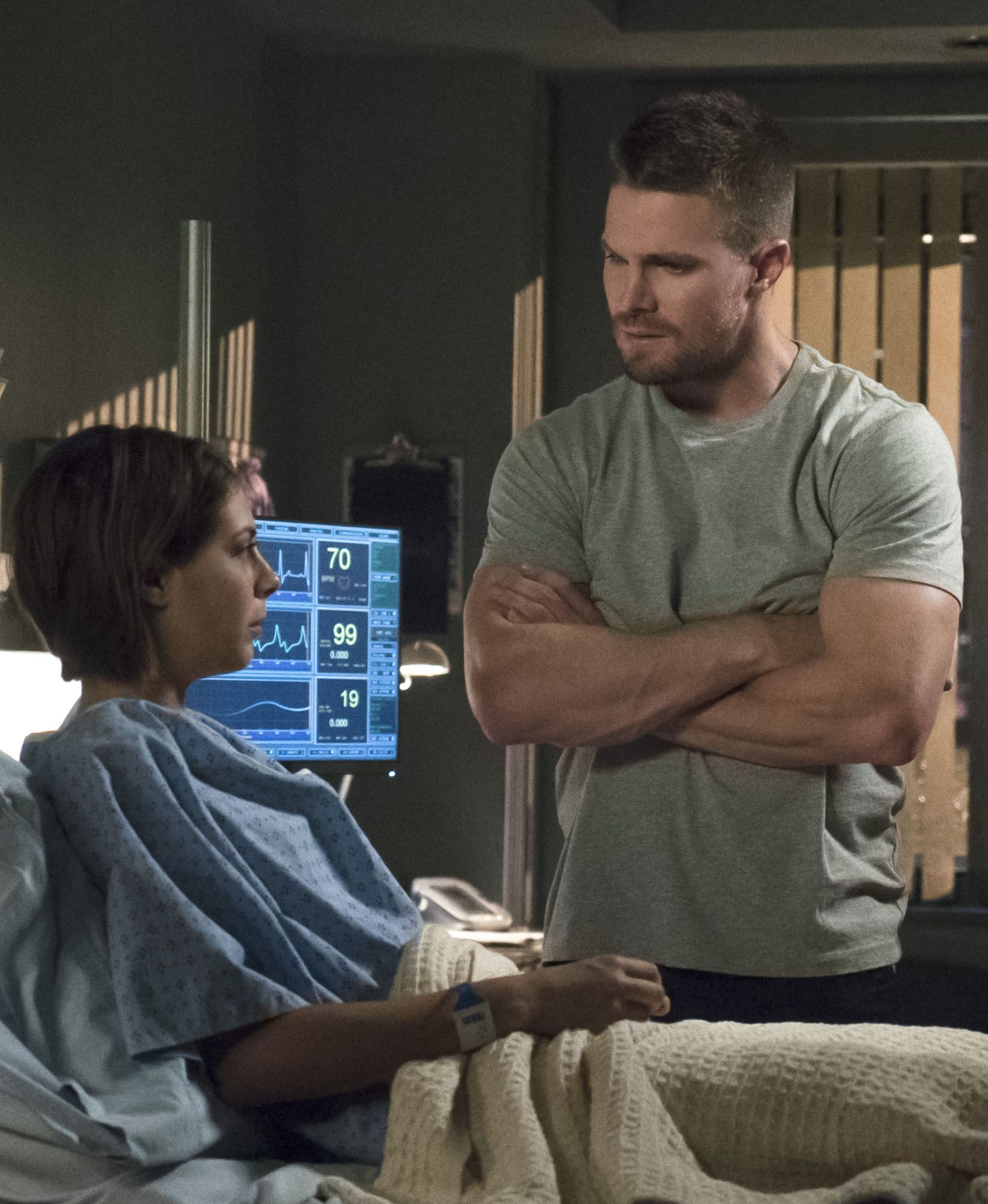 Oliver Queen Tattoo From Constantine: Arrow 4x05 - Thea & Oliver Queen