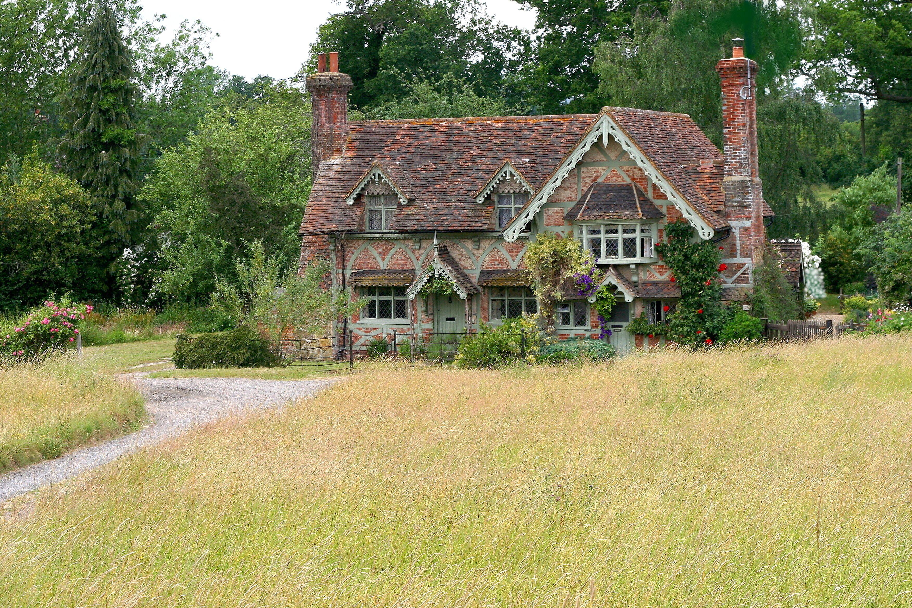 Beautiful Old Cottage Ockley Surrey Nick Knack Olde Worlde Cottage Exterior Cottage In The Woods Old Cottage