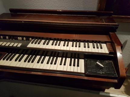 Orgel zu verschenken