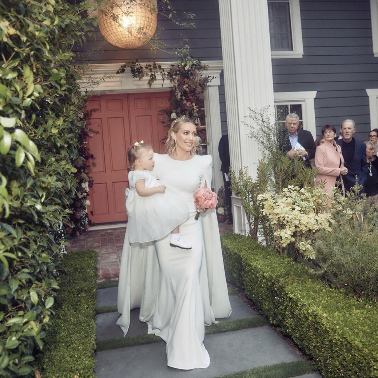 Pin By Elo On Hilary Duff Hilary Duff Wedding Dress Hillary Duff Wedding Celebrity Bride