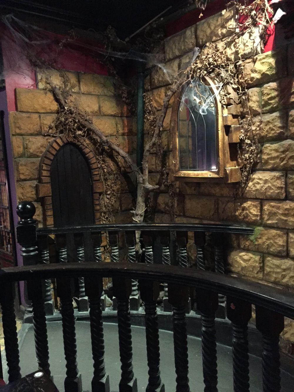 Pit and the Pendulum Pub