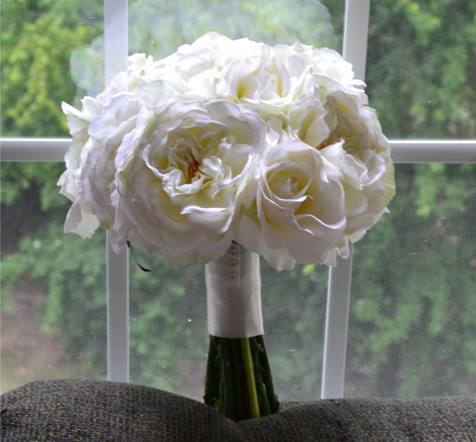 Etonnant Creamy White Bouquet   Cream, White, Off White, Ivory, White .