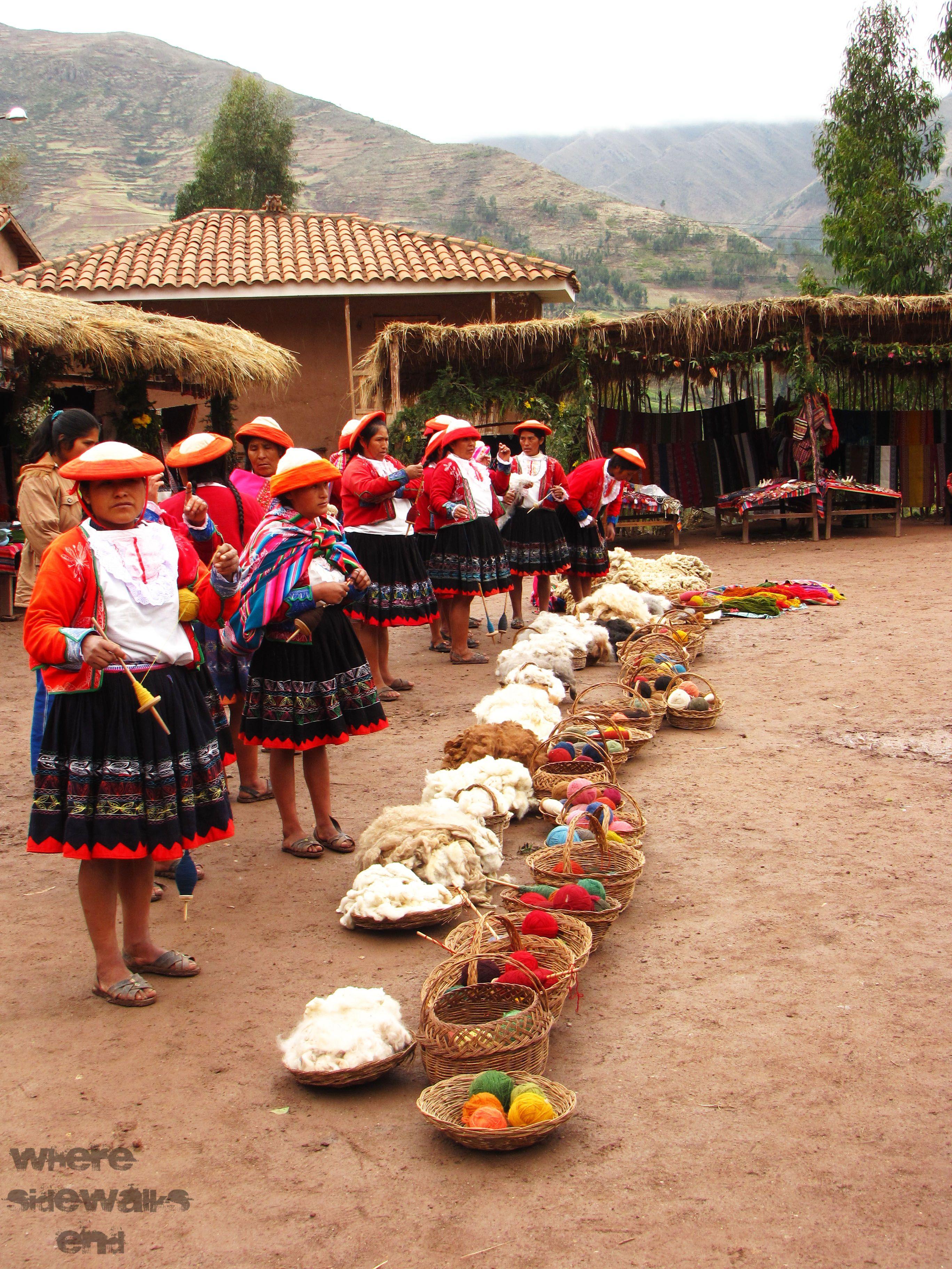 Peru - Cusco - Traditional Llama Wool
