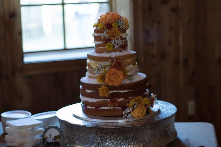 The Carriage House Wedding Venue In Conroe TX Rustic Cake