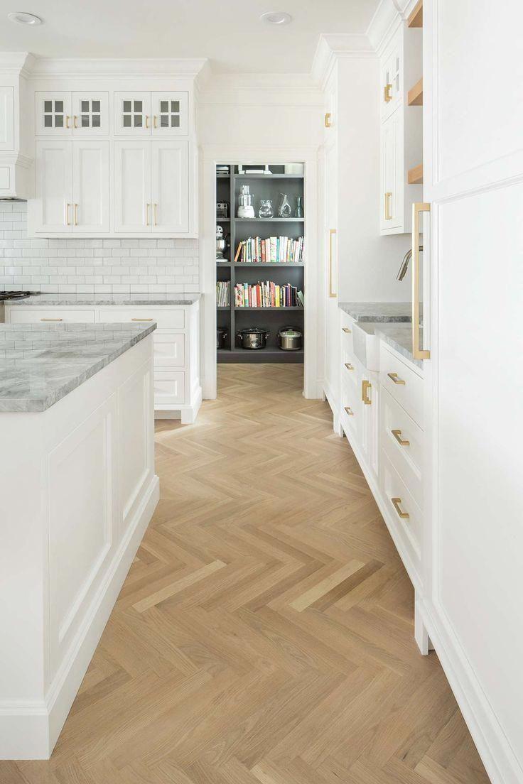 10 English Farmhouse Style Decorating Ideas White Kitchen