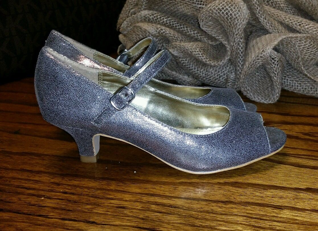 Steve Madden Toddler girls shoes size 2 small heel silver #small #heel  #silver