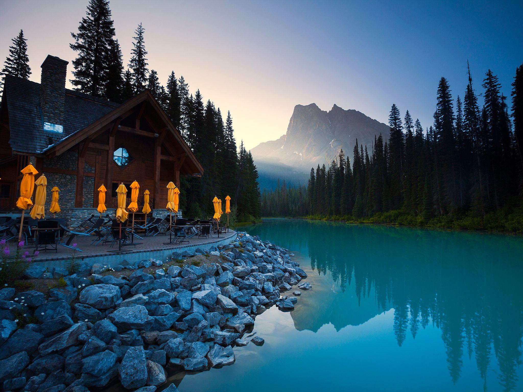 10 Beautiful Resorts on North American Lakes  Lake resort