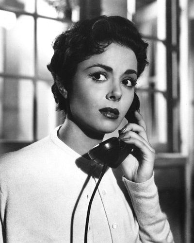 1956 dana wynter, starred in classic 'INVASION OF THE BODY SNATCHER' /// Casting--and what a huge difference it makes: Dana Wynter not only sold this film but gave us a woman to fall for head over heels, and following her took us deeper into empathy with all the unreality she was facing--and took that film to iconic status, with the other greats in the film, like Kevin McCarthy...