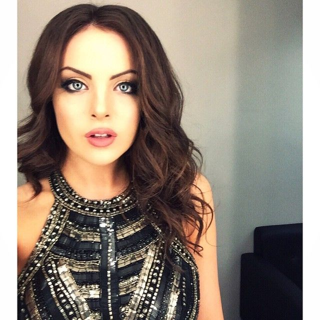 "Elizabeth Gillies ""Pre-performance The Other Night ..."