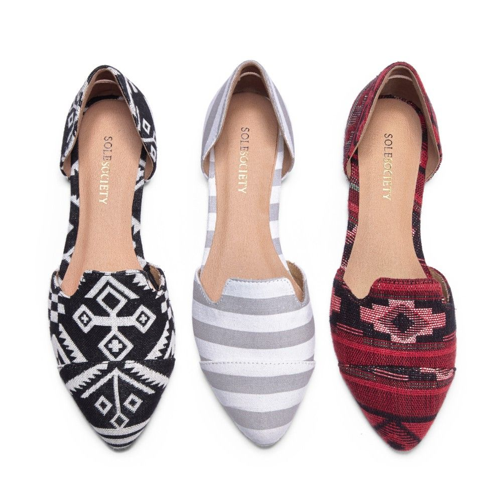 Mixing Patterns: playing with patterns in this comfy d'Orsay flat