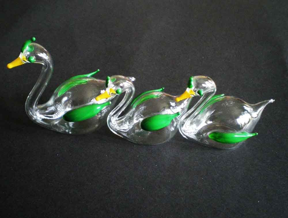 Kitsch trio of fifties mouth blown duckies