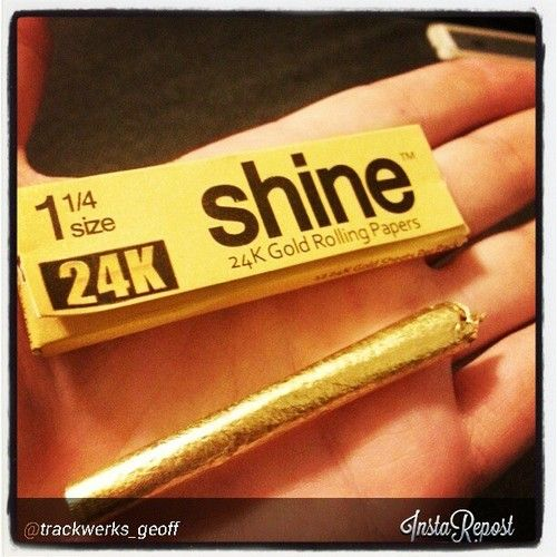 RAW Gift Set With 24 K Gold Grinder And Hemp Cones