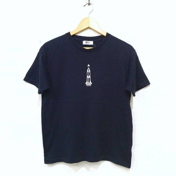 46e00109f6b4 ISSEY MIYAKI Design Tee Tshirt im Product Designer Fits Small Size Made In  Japan