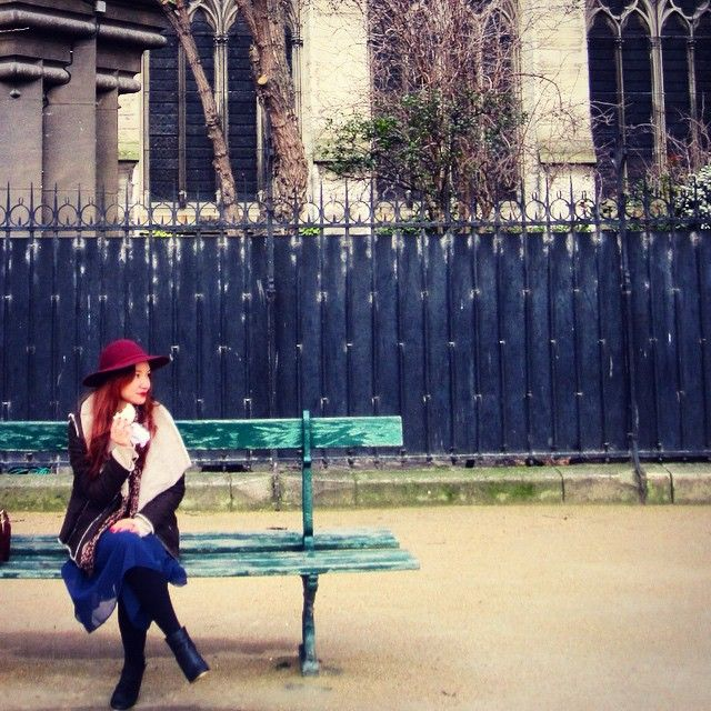 Hello beautiful and sunny October Starting the new month with a Macaron❤️ Hope you all have a pleasant start as well! #october #fall #paris #notredame #style #streetstyle #stylish #fashion #fashionblog #fashionblogger #chic #frenchchic #girl #me #hat #look #outfit #streetfashion #streetchic #mode #streetlook #queendomoffashion