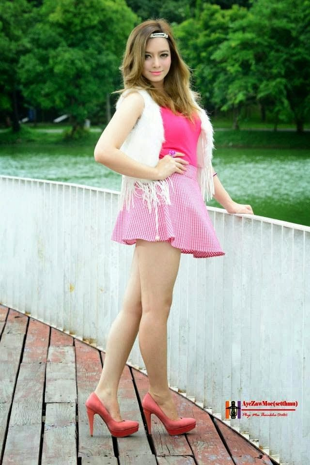 wearing Hot skirts girls short