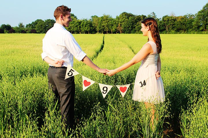 Saving the date postcard picture with bunting #diy
