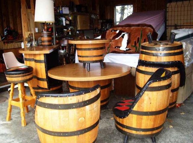 meuble original compos de vraies barriques meuble original barrique et originaux. Black Bedroom Furniture Sets. Home Design Ideas
