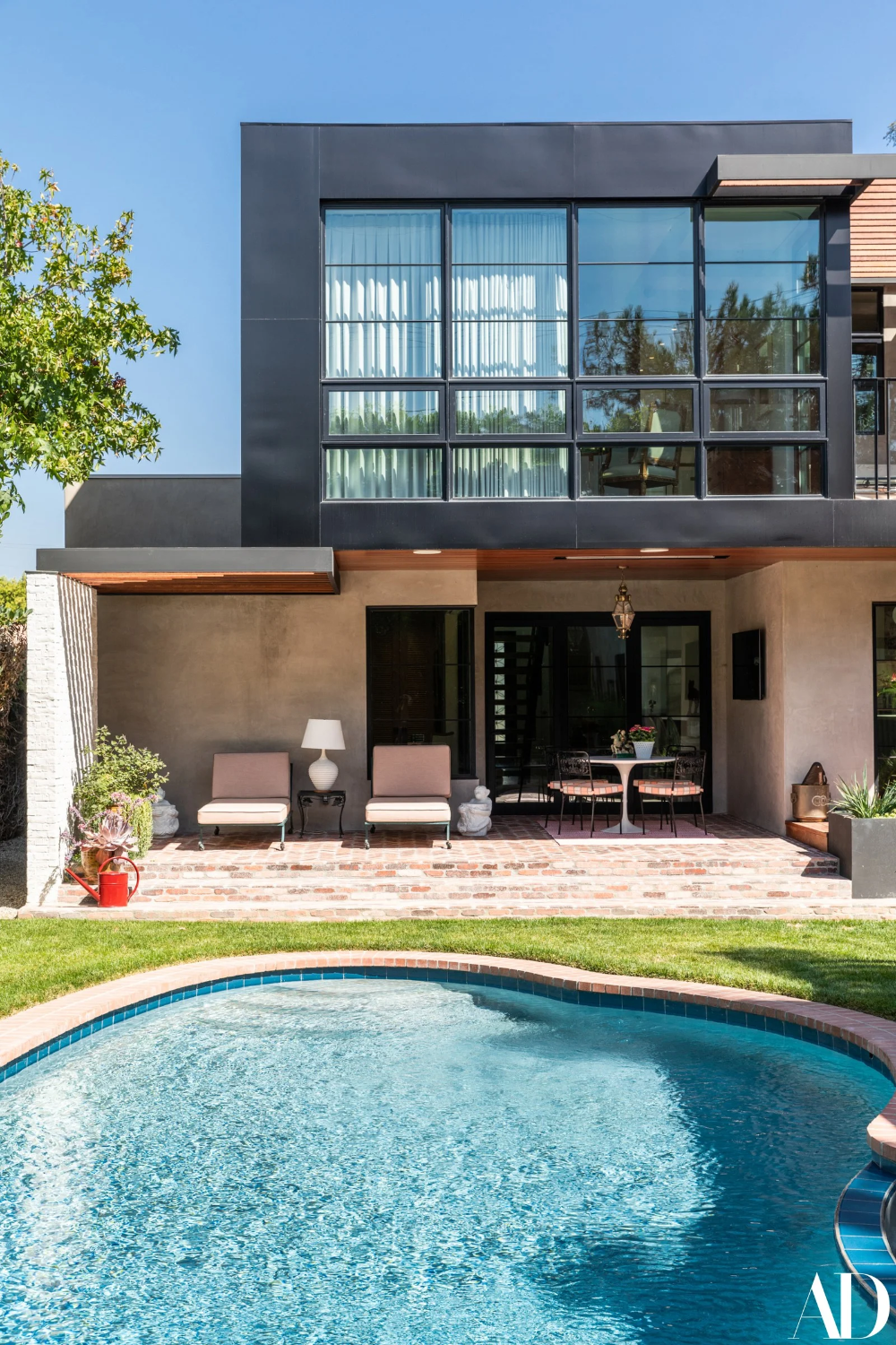 Judy Greer S Los Angeles Home Is Perfectly Playful And Practical In 2020 Los Angeles Homes Los Angeles Architecture Home