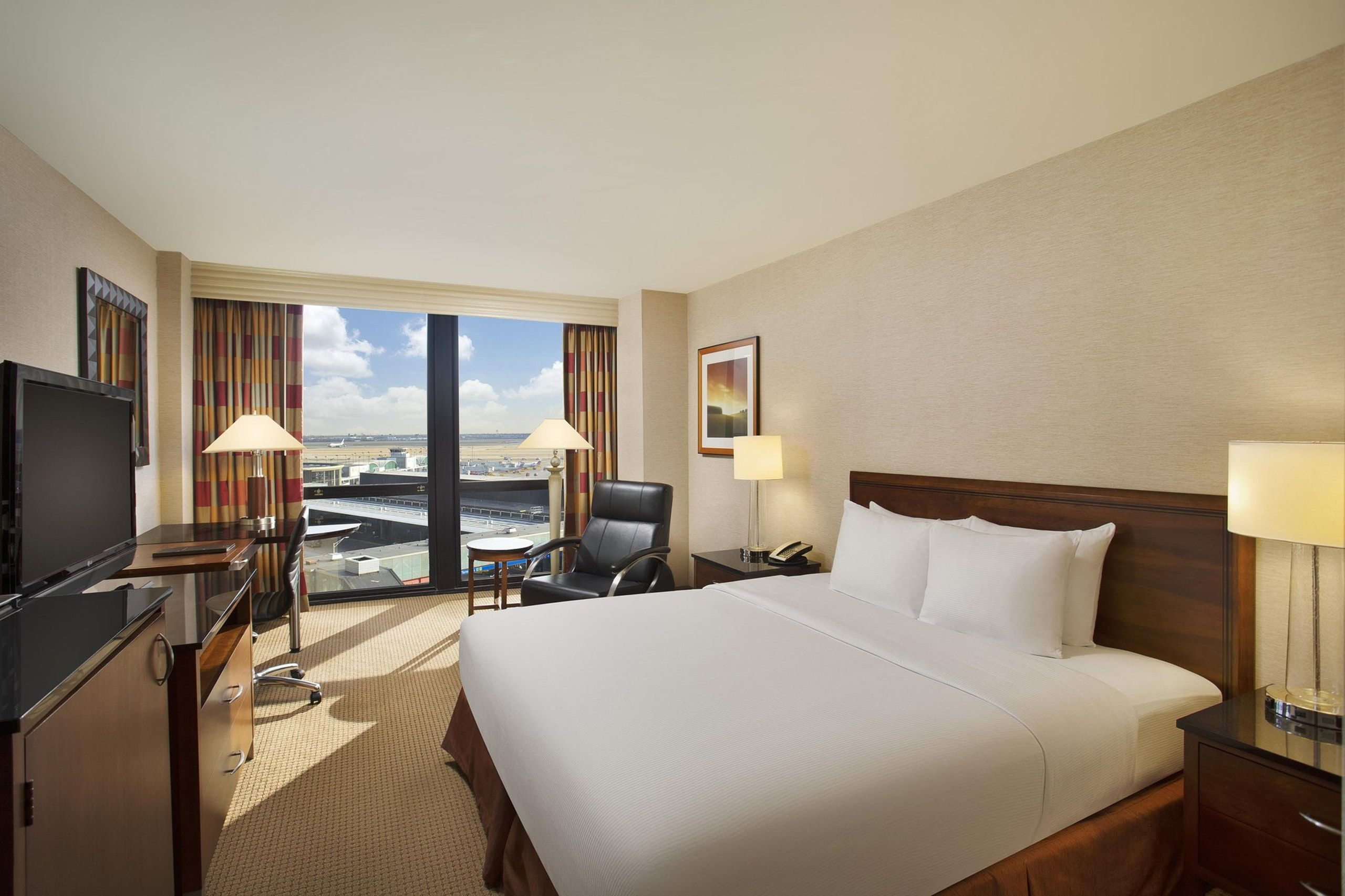 Suites At Hilton Chicago O Hare Airport Suiteness More