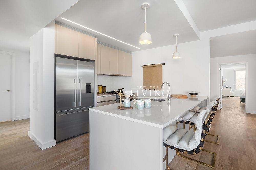 3 Bedrooms 2 Bathrooms Apartment For Sale In Brooklyn Heights Brooklyn Apartments For Rent Brooklyn Apartment Brooklyn Heights