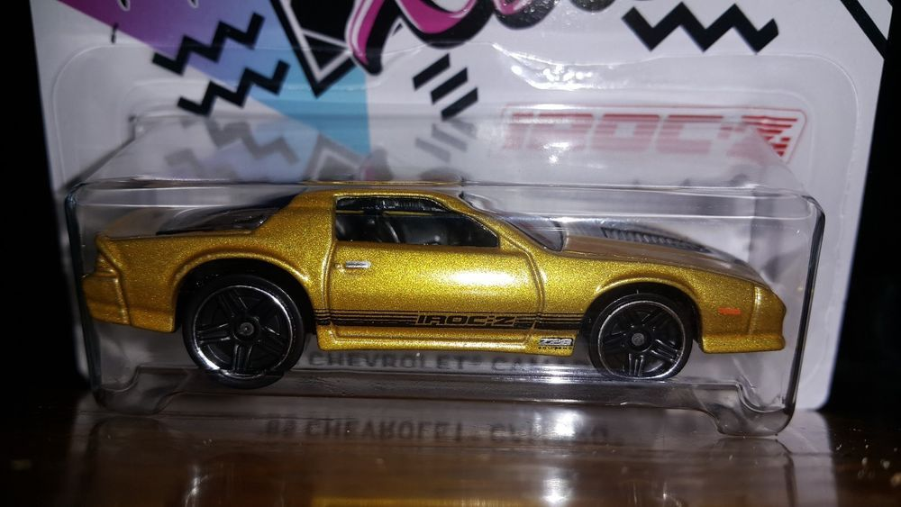 Hot Wheels 2018 Walmart Excl 50th Anv Camaro S 5 10 85