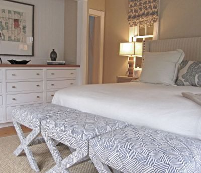 What Are These Pieces At The Foot Of The Bed Called I Want