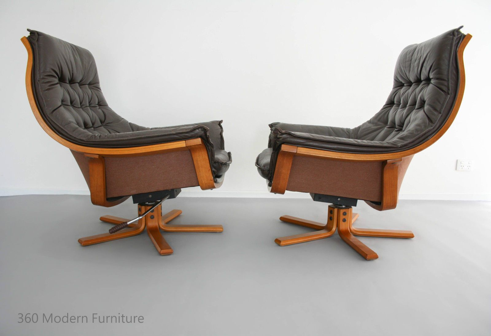 Charming MID Century Armchairs X2 Danish Deluxe Leather Swivel Rocker Recliner  Bentwood Retro Vintage Lounge Chair Pair Awesome Design
