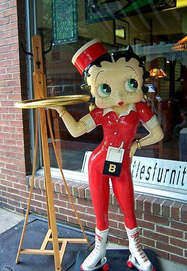 Betty Boop on roller skates serving statue | Betty Boop wishlist ...