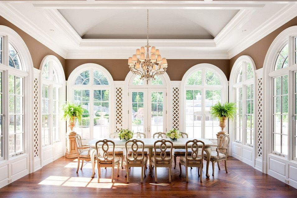 The breakfast nook of the stone mansion alpine nj for Sunroom dining room ideas