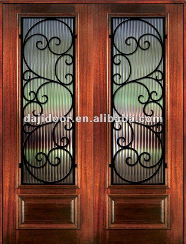 Puertas en forja con acabado de madera buscar con google for Modelos de puertas de hierro con madera