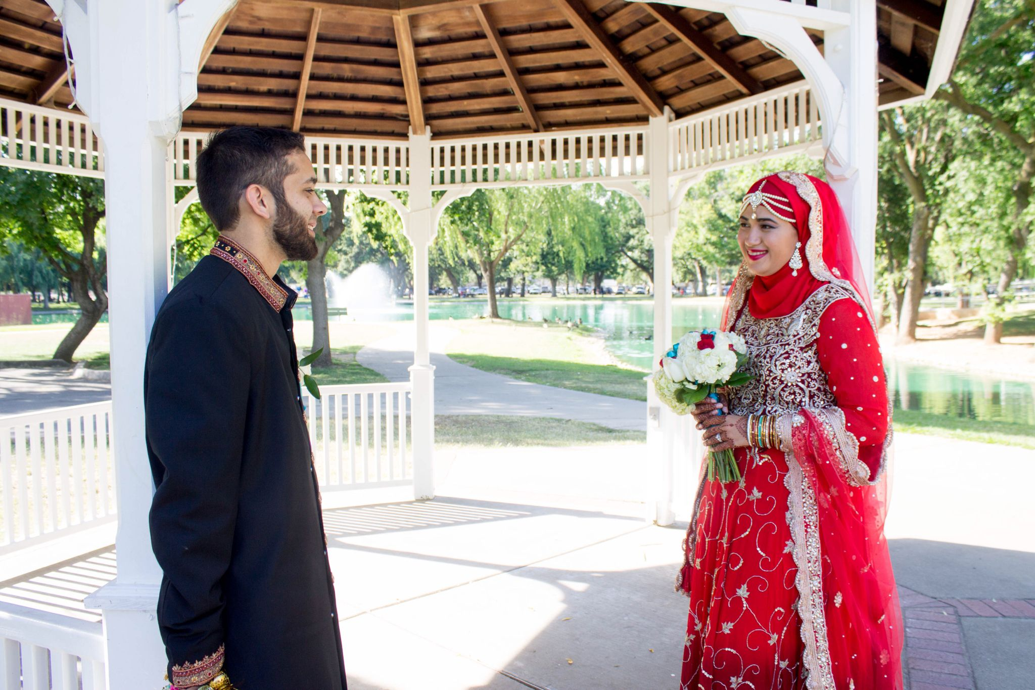 Muslim Couple Wedding Photography Of Hijabi Bride Groom Indian Pakistani Style Outfits Love Comes Back Hijabi Brides Dua For Love