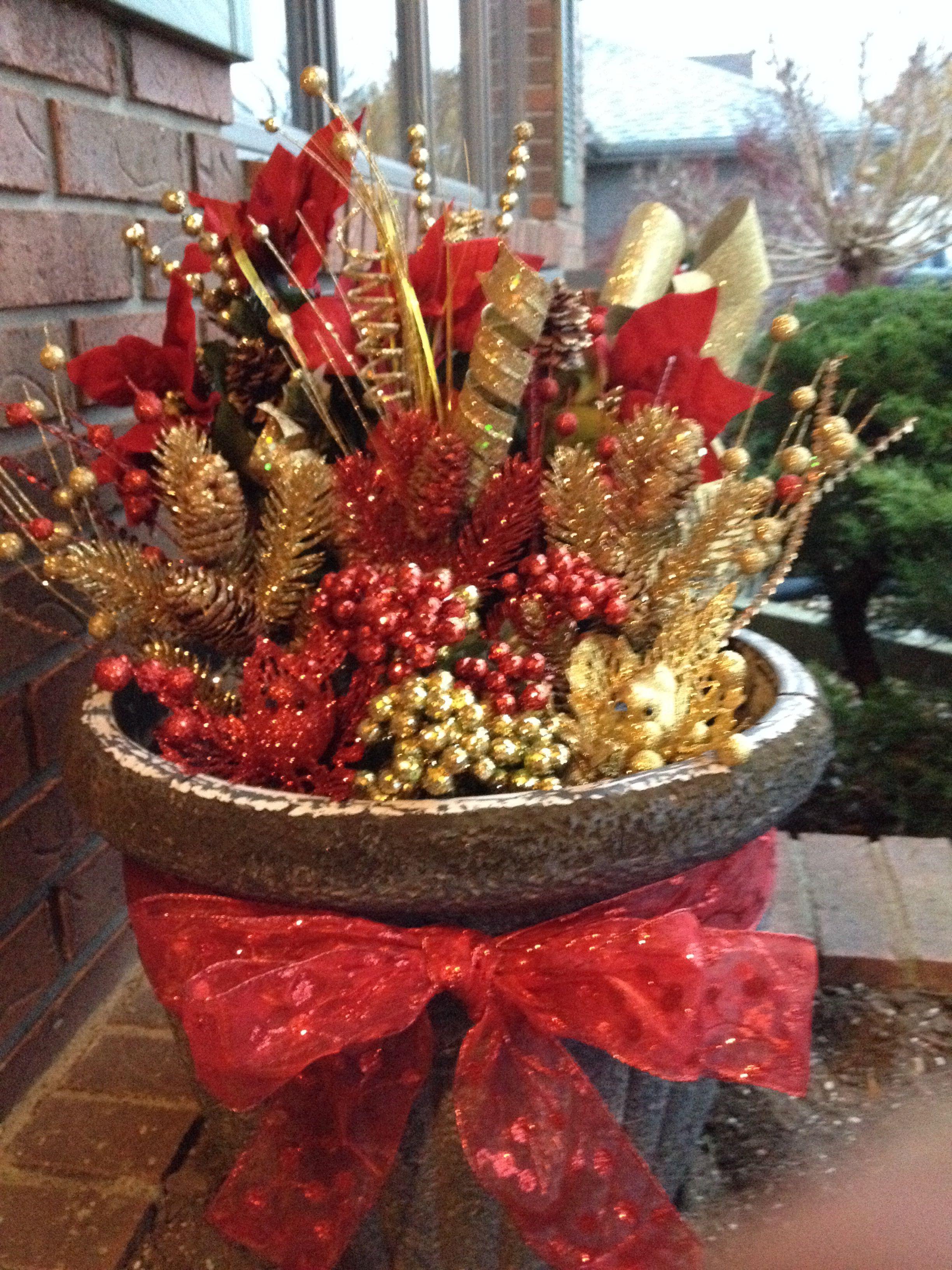 Outdoor Christmas decor | Church christmas decorations ...