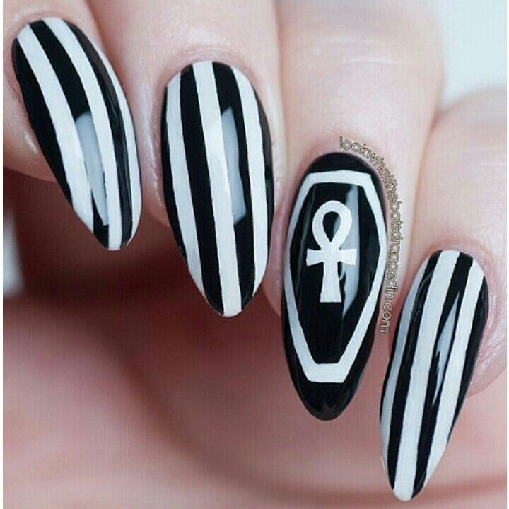 Black White Stripes Almond Nail Art Nail Art Stripes Fancy Nails Designs Halloween Nails