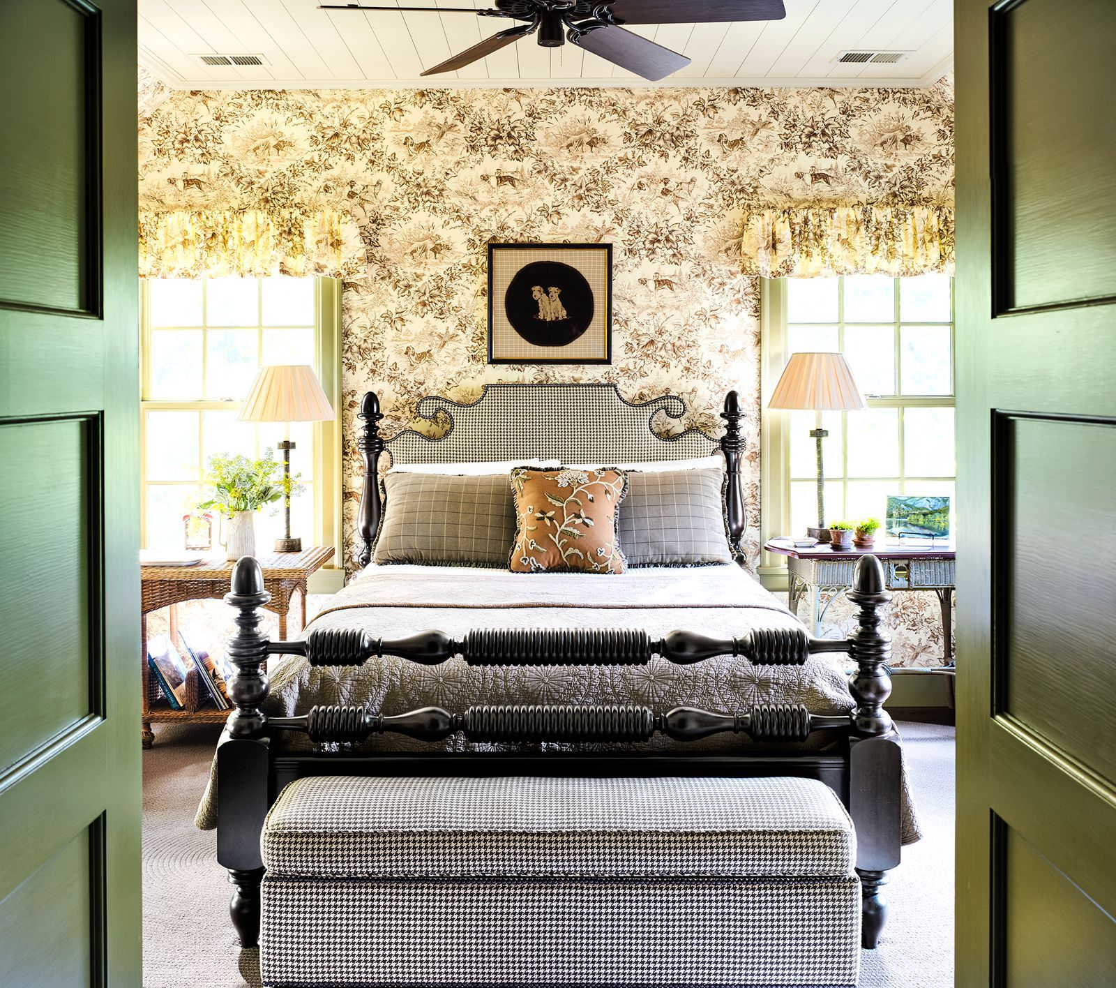26 Mediterranean Bedroom Design Ideas: These Bold Wallpaper Ideas Will Completely Transform Your