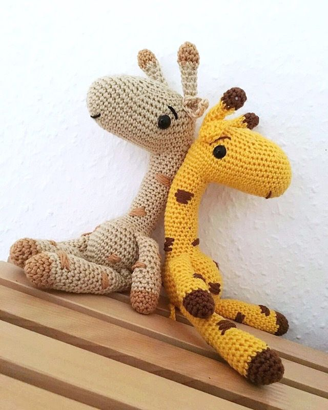 Häkelanleitung Mojo, die Giraffe (die eigentlich ein Alapaka werden ...