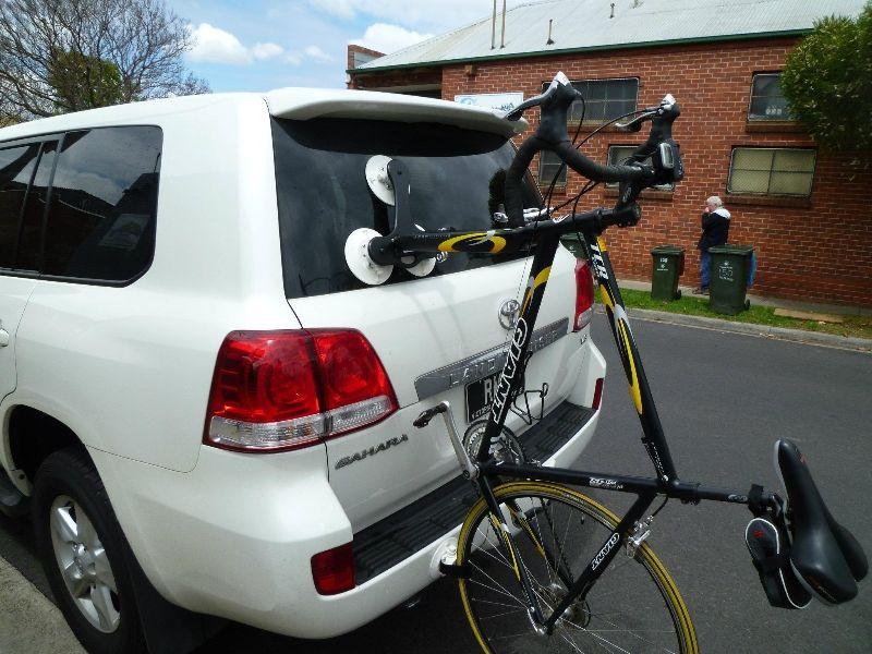 The Seasucker Talon 1 Bike Rack Fitted To Suv S 4x4 S Suv Bike