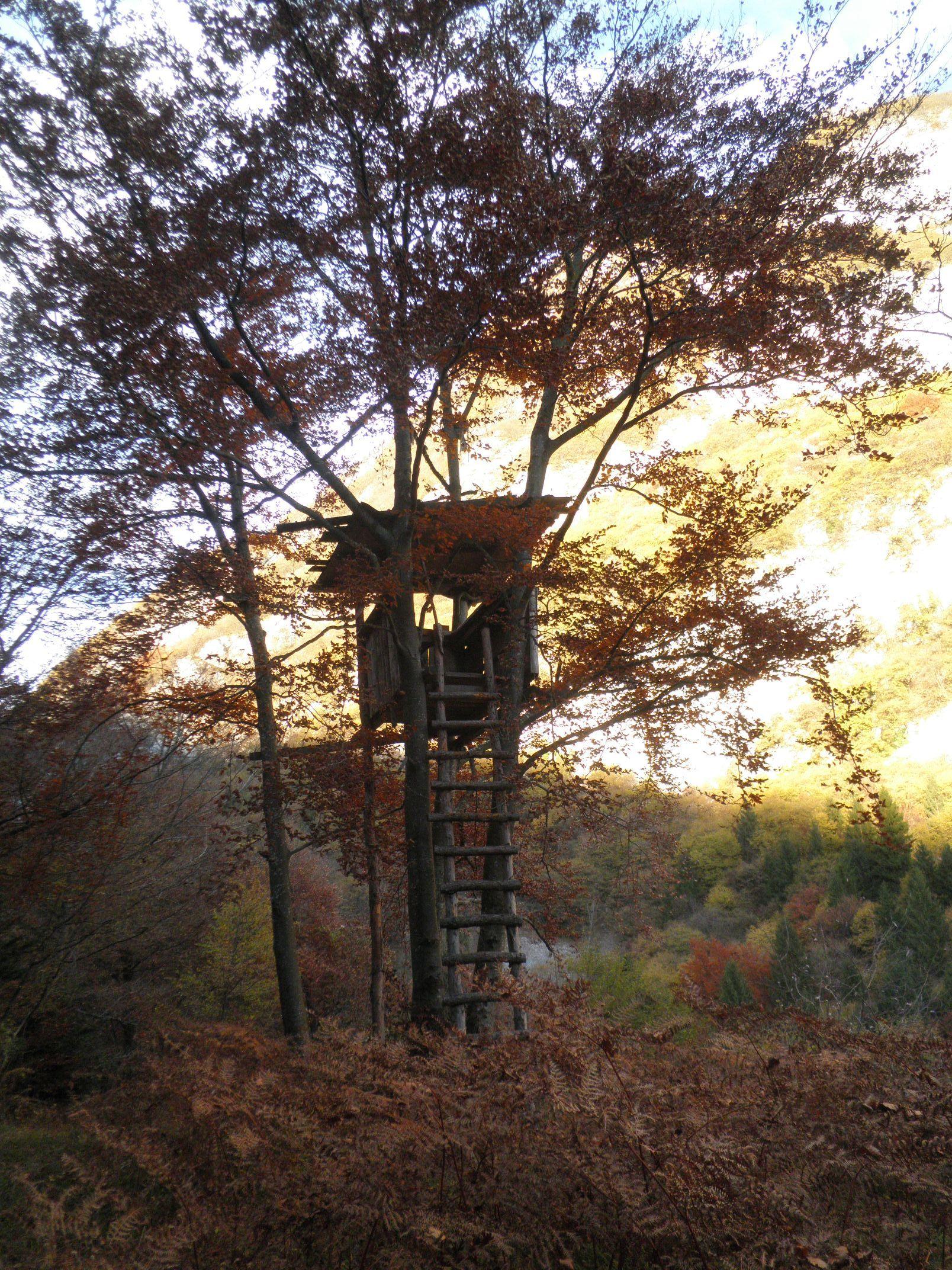 Torre di avvistamento o casetta romantica verso il passo del Ballino