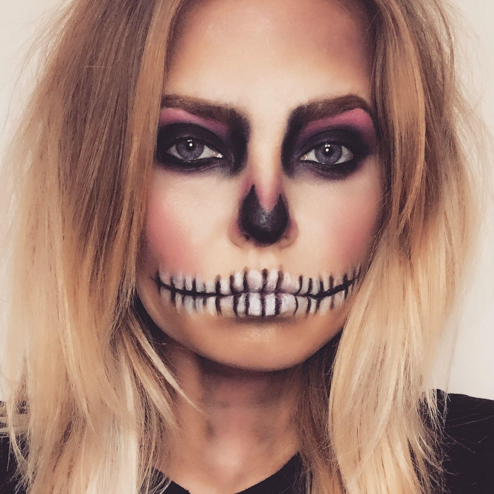 Halloween Skull Makeup Simple Easy To Do Halloween Skull Makeup Halloween Skeleton Makeup Halloween Makeup Easy
