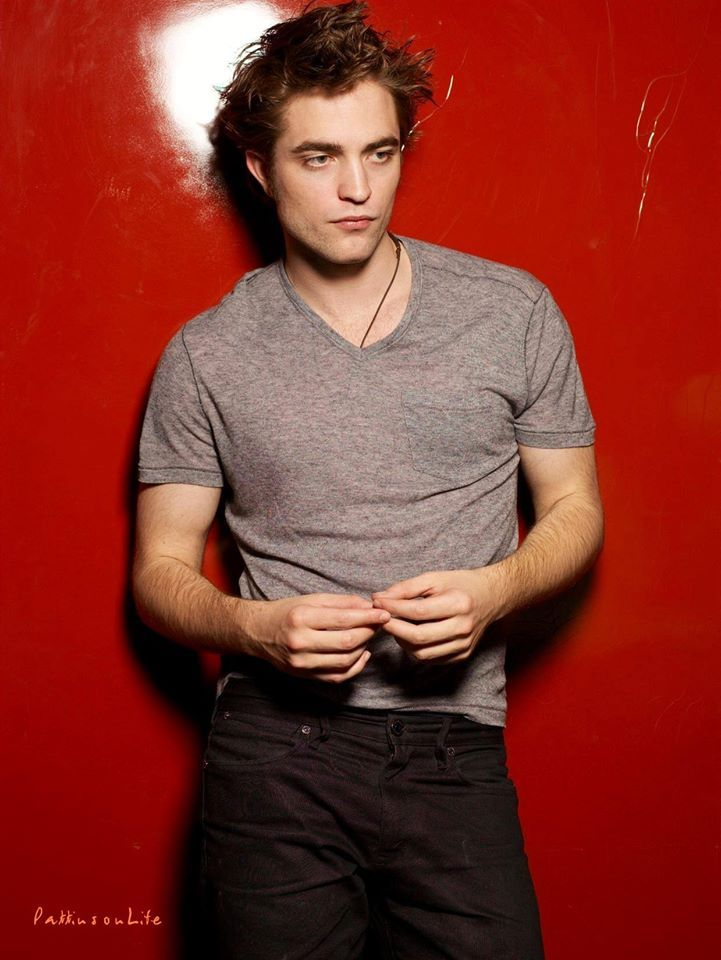 Robert Pattinson as Kyle Edwards