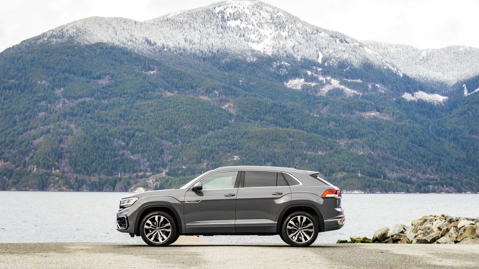 2020 Volkswagen Atlas Cross Sport First Drive Review Trimming Down To Two Rows In 2020 Volkswagen First Drive Sport One