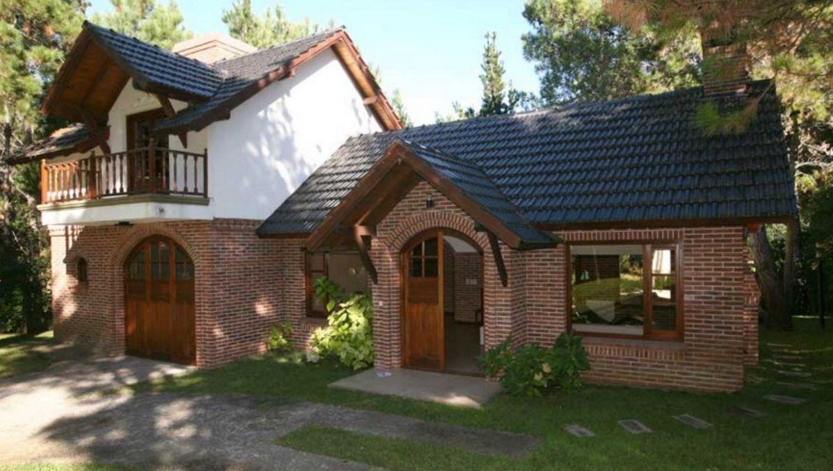 ladrillo rojo Fachadas de casas modernas, Fachada de casa