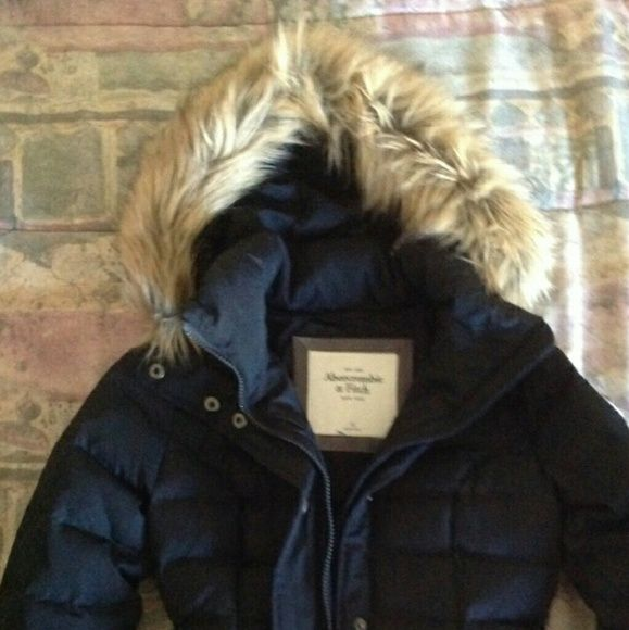 Women's jacket In flawless condition, navy blue Abercrombie down jacket, faux fur trim. Abercrombie & Fitch Jackets & Coats Puffers