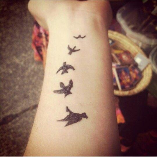 Small Simple Henna Tattoo Designs Wrist
