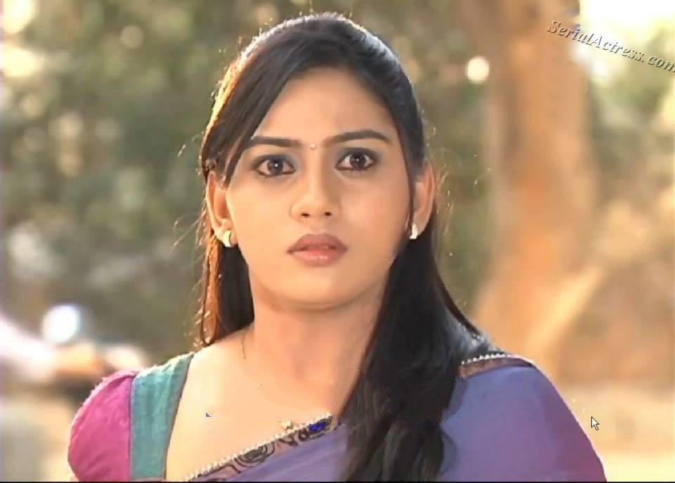 Maragatha veenai serial actress name - Bary achy lagty hain drama