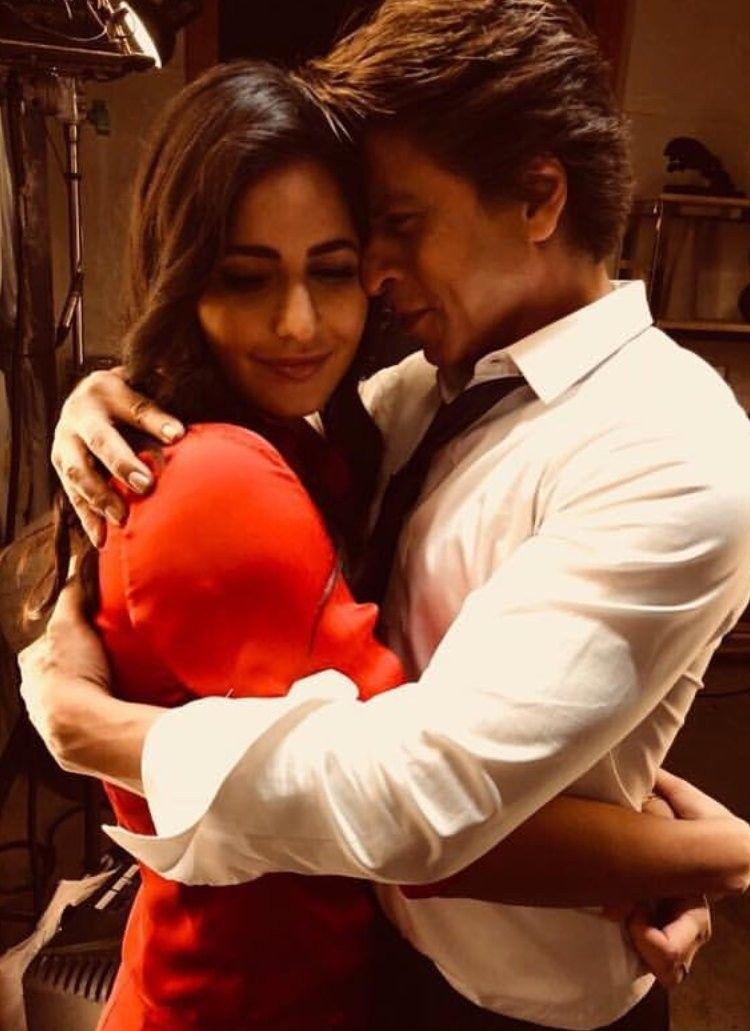 Katrina Kaif And Shahrukh Khan From Zero Redoutfit Katrina Kaif Photo Shahrukh Khan Bollywood Couples