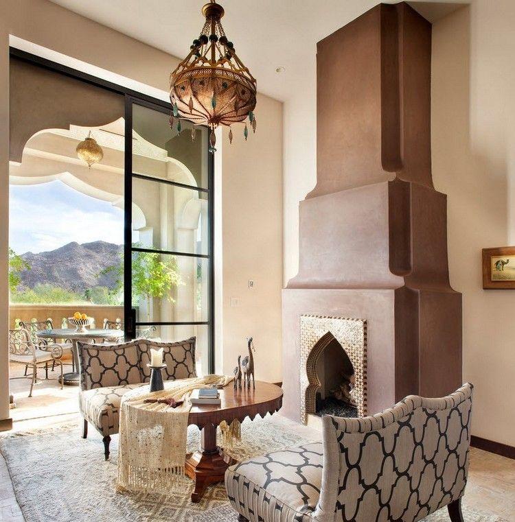 décor oriental, cheminée marocaine, tapis design et meubles revêtus