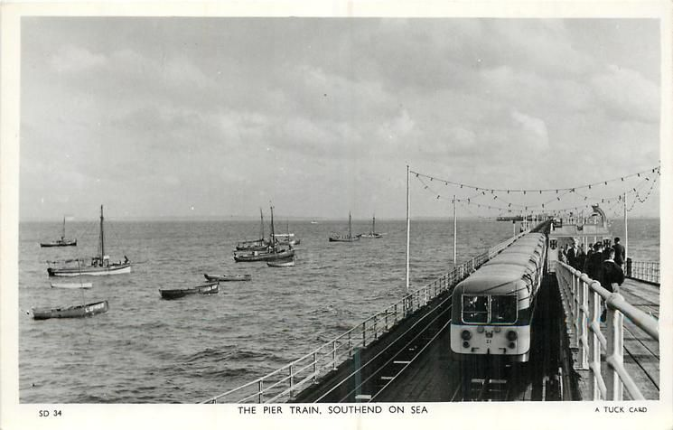 f5759954bea9b34d8497d10295759c7d - The Southend Pier railway
