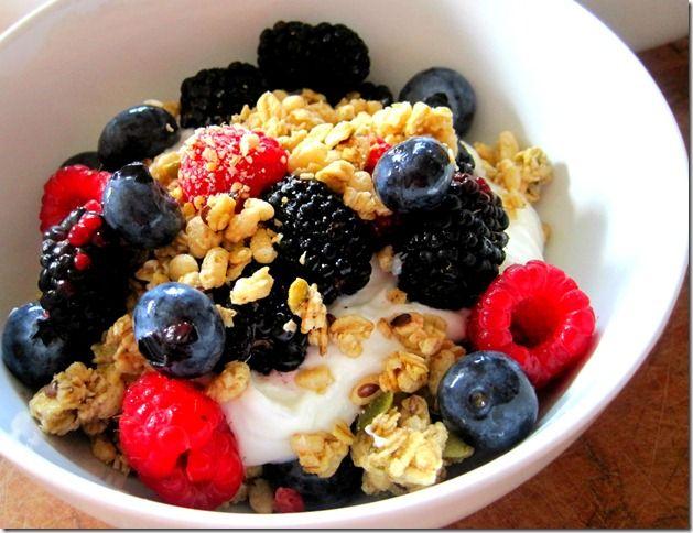 Summer Berry Parfaits, a quick & breakfast!