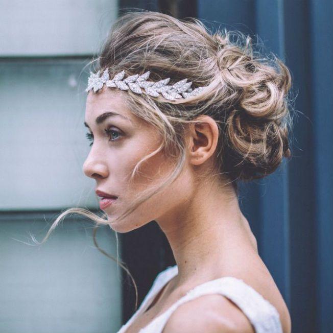 Comment porter un headband sur cheveux longs