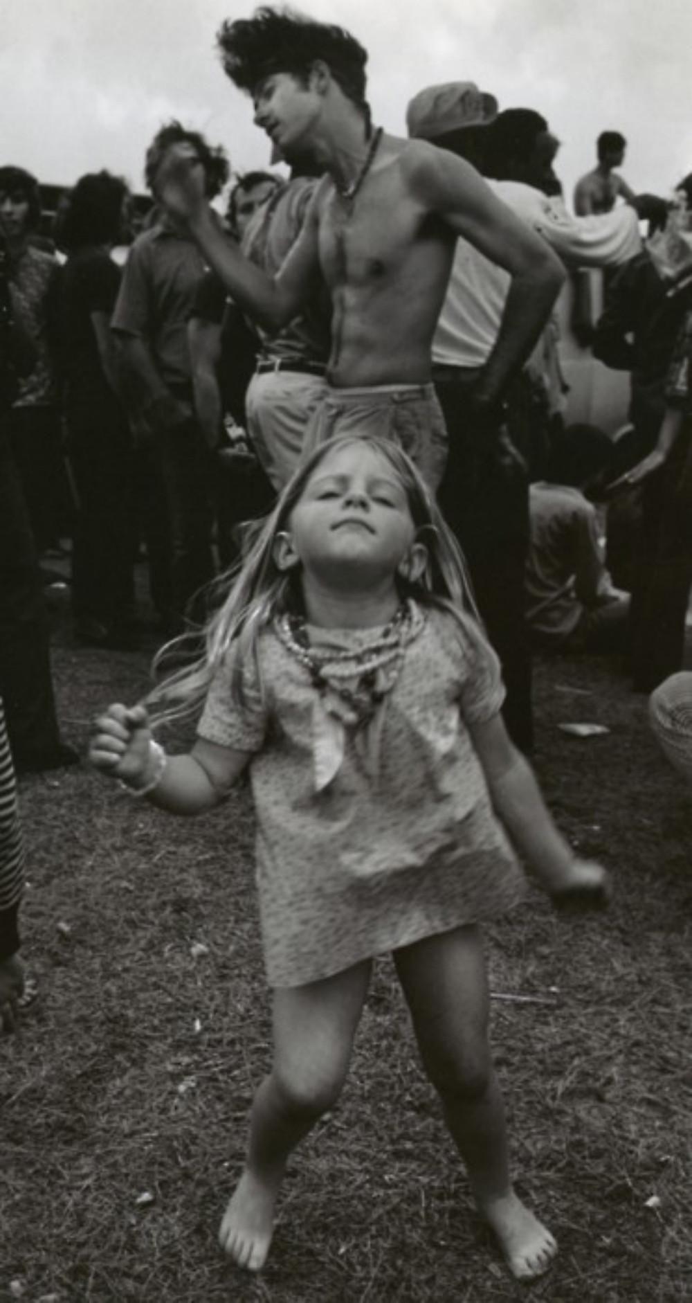 Jimi Hendrix at Woodstock 1969 Hippie Chicks Retro T Shirt 27